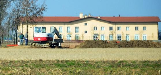 Il furto del gasolio nei pressi della Casa di Riposo di Certosa di Pavia